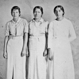 022 Mom at right with unknown women