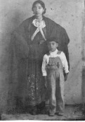 135 Mom & Teofilo