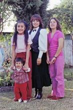 Sonia, Cissy, Becky, baby Nene