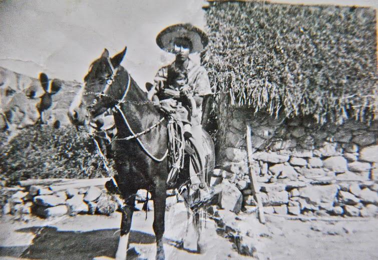 Tio Beto with his horse, El Rayado