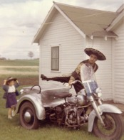 075 Tio Fidel with his Harley trike