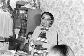 76.Mom's Bda
