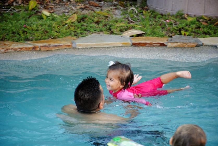 Sami swimming